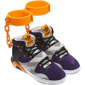Lía En Con Racistas Zapatillas Adidas Supuestamente Unas Facebook La F1T3lcKJ