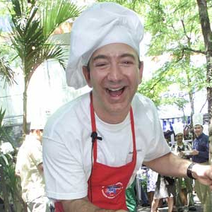 Jeff Bezos limpiaba el suelo de McDonald's antes de fundar Amazon