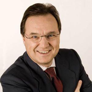 M. Carlotti (Antena 3) insiste en que la CNC les está discriminando mediante las condiciones de la fusión con laSexta