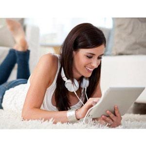 Las mujeres limitan el uso de las redes sociales a los dispositivos móviles