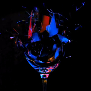Cuando el arte de romper copas llega a la publicidad en forma de spot grabado a 5.000 fotogramas por minuto