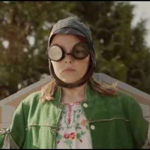 """Dell sorprende al mundo de la tecnología con """"Meet Annie"""", el spot en el que una niña consigue volar"""