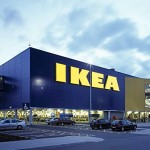 Los muebles de IKEA toman los espacios más minúsculos de una calle de Tokio