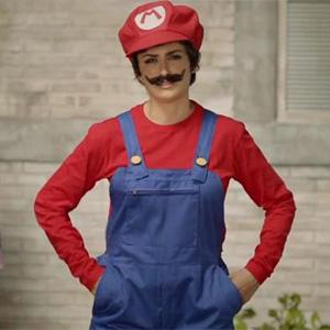 Penélope Cruz se deja bigote en un nuevo anuncio para Nintendo