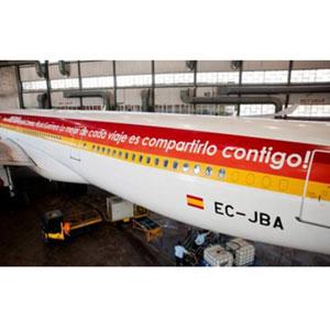 """Iberia ya tiene en su Airbus el """"tweet más grande del mundo"""", que volará de Barajas a Bogotá"""