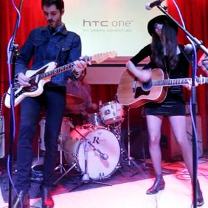 HTC reta a cuatro músicos con el nuevo ONE X+