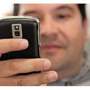 Los hispanos son un 70% más propensos a comprar a través del móvil