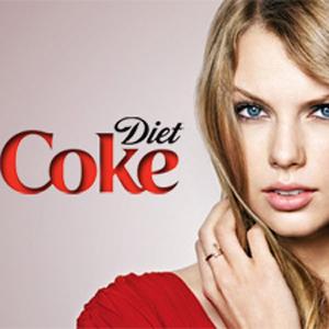 Pepsi tiene a Beyoncé y Coca-Cola Light ha decidido apostar por Taylor Swift, aunque no para la Super Bowl 2013