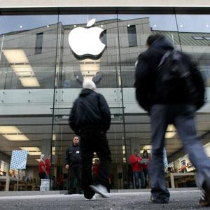 Apple Store, ¿paraíso o infierno?: la empresa de la manzana espía a sus empleados hasta cuando van al baño