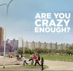 Coca-Cola nos invita a volvernos locos (pero con amabilidad)