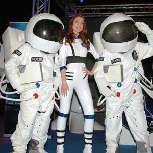 El famoso bailarín de 'Fama', Sergio Alcover, te lleva al espacio con el primer Flashmob de FITUR