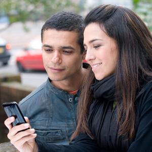 El 34% de los jóvenes quiere ahorrar en su consumo telefónico, pero sin renunciar a internet móvil