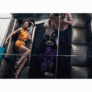 Milla Jovovich nos muestra su lado más sugerente en la nueva campaña de Sisley