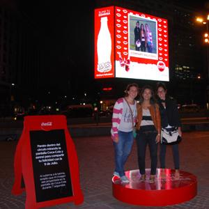 Coca-Cola invita a compartir sonrisas y contagiar felicidad