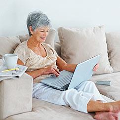 El 63,7% de los mayores de 65 años que usa internet realiza compras online
