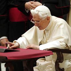 Los tuits de Benedicto XVI ya han desaparecido de Twitter
