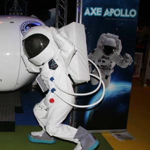 Miles de españoles quieren viajar al espacio de la mano de AXE