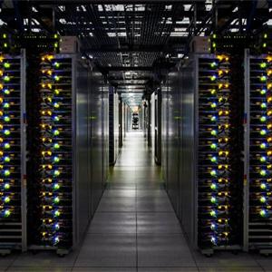 """La UE a Google: tus productos y servicios tienen """"enchufe"""" en tu buscador"""
