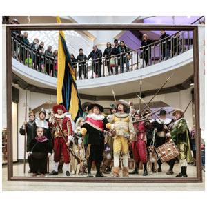"""Un flashmob de ING llena un centro comercial de mosqueteros y enanos para promocionar """"la vuelta de Rembrandt a casa"""""""
