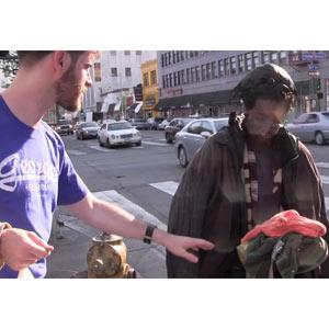 De torsos perfectos a personas sin hogar: una acción que busca