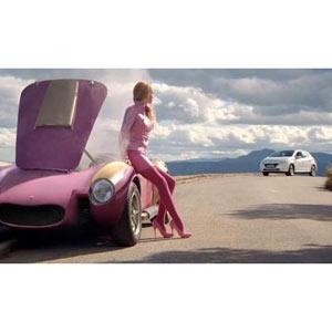 Coches extraños y personajes variopintos: Peugeot resucita a los Autos Locos en su último Spot
