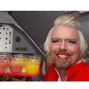 Richard Branson, de presidente a azafata (poco sexy) de Virgin