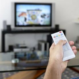 La presión publicitaria en televisión cayó un 13% en el mes de abril, según Ymedia