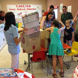 Mediapost lleva juguetes y sonrisas a la Casa Ronald McDonald de Valencia