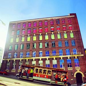La agencia de publicidad Goodby, Silverstein & Partners celebra el día del orgullo gay a todo color