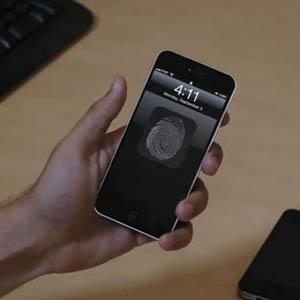 Un escáner de la huella dactilar, el sistema de seguridad de la nueva generación de productos Apple