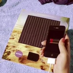 Nivea crea un innovador anuncio que carga la batería del teléfono móvil con energía solar