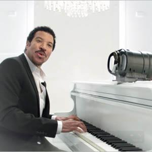 El cantante Lionel Richie, el nuevo protagonista del spot de la cerveza Tap King