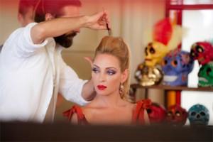 Uma Thurman saca a relucir su lado más festivo en el calendario Campari 2014