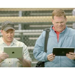 Microsoft vuelve a buscarle las cosquillas a Apple en un spot con el béisbol como telón de fondo