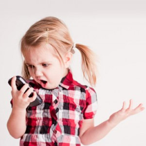 Los más pequeños de la casa pierden también la chaveta por los smartphones
