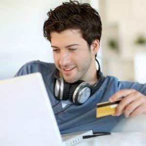 Los jóvenes pasan de los bancos y prefieren el dinero virtual para capear la crisis