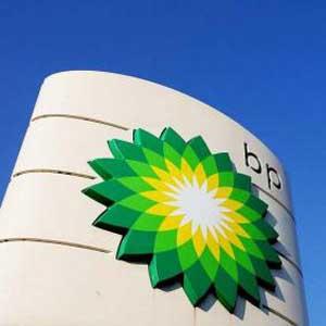 BP compra anuncios a toda página para poner en la picota a quienes se beneficiaron injustamente del derrame petrolero de 2010
