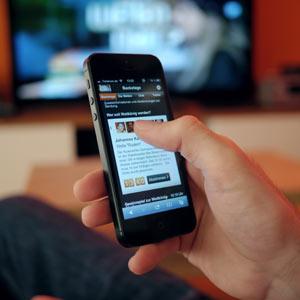 Los dispositivos móviles ganan terreno al televisor y los anunciantes arriman el ascua a su sardina