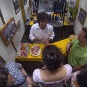 Buckler instala un bar en un ascensor en su nueva campaña