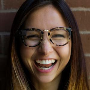 Google busca convertir sus Glass en el accesorio de moda necesario para ir a la última