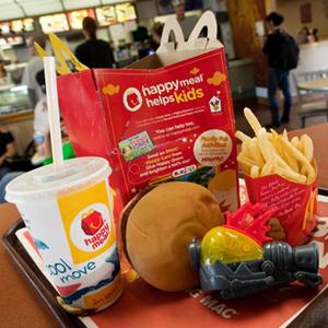 La comida es lo de menos en la publicidad de McDonald's y Burger King para los más pequeños