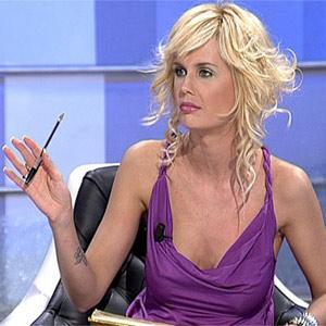 Retiran un anuncio en el que la televisiva Miriam Sánchez aparece desnuda por sexista
