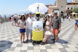 Una marca italiana de refrescos nos permite viajar virtualmente a Sicilia a través de los ojos de un robot