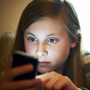 Parece que no, pero los adolescentes sí se andan con pies de plomo con su privacidad en internet móvil
