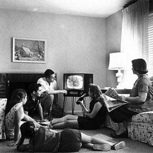 La televisión tradicional deja K.O. a los medios online en consumo de horas al mes