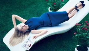 Marissa Mayer, CEO de Yahoo!, muestra sus dotes de modelo para