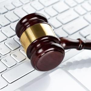 La pena máxima por enlazar contenido pirata baja de 6 a 4 años