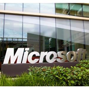 El consejero delegado de Ford y el de Computer Sciencies, candidatos a dirigir Microsoft