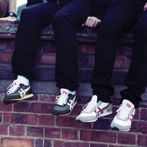 La marca de zapatillas Onisuka Tiger muestra el lado desconocido de Tokio en su nueva campaña