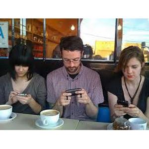 Al 42% de los españoles le cuesta estar más de una hora sin consultar su smartphone